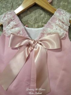 Girls Dresses Online, Dresses Kids Girl, Girl Outfits, Fashion Outfits, Frocks For Girls, Frock Design, Sewing For Kids, Baby Dress, Kids Girls