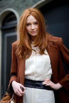 Brown coat on Karen Gillan