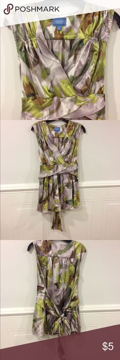 Simply Vera size 12 blouse good condition Size 12 Simply Vera blouse good condition Simply Vera Vera Wang Tops Blouses