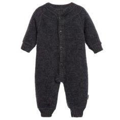 Joha 100% grey merino wool soft and snuggly thermal rompersuit. Without feet, this all-in-one is perfect in cooler climates, as merino wool regulates body heat, ensuring warmth in winter and cooling down in hotter months. This romper is ideal as the outer layer when going out and about. It fastens with buttons at the front, with ribbed and elasticated cuffs.