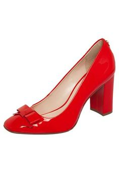 Ankle Shoes, Red Heels, High Heels, Chic Chic, Flight Attendant Shoes, Shoe Show, Pretty Shoes, Shoe Closet, Purses
