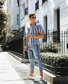 11 Best Mens Fashion Tips To Elevate Your Style! 11 Best Mens Fashion Tips To Elevate Your Style! Trendy Mens Fashion, Mens Fashion Wear, Stylish Mens Outfits, Cali Fashion, Rihanna Fashion, Stylish Clothes For Men, Fashion Tips, Fashion Ideas, Fashion Forms