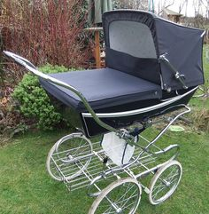 My children will ride in a Silver Cross pram. Keeping this tradition alive. Pram Stroller, Baby Strollers, Silver Cross Prams, Vintage Pram, Prams And Pushchairs, Dolls Prams, Baby Prams, Travel System, Baby Carriage