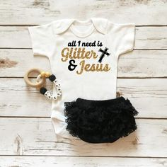 Got It From My Mama Onesie Sparkle Baby Girl Outfit with Ruffle Bottom Lace Bloomers Lila Baby, My Baby Girl, Our Baby, Baby Girl Onesie, Baby Bodysuit, Bodysuit Shorts, Baby Gap, Baby Outfits, Outfits Niños