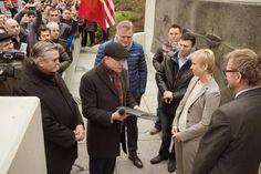 Pastor Ionescu presenting the signatures to the Norwegian authorities...