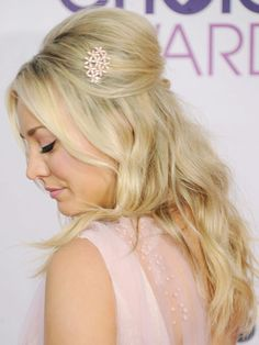 Hot celebrity hairstyles for every hair type: Kaley Cuoco