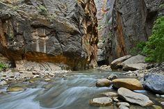 Entrance to the Narrows / Zion Canyon, Utah, USA.