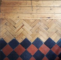parquet-chevrons-carrelage, love this floor My Ideal Home, Transitional Decor, Flooring, Floor Installation, Beautiful Flooring, Transition Flooring, Tiles, Installation Design, Wood