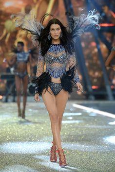 bella hadid vs fashion show