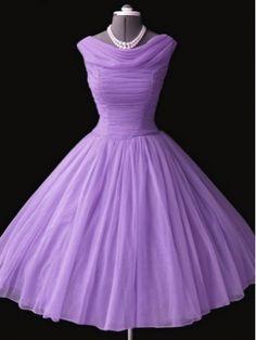 58 New Ideas Wedding Shoes Vintage Purple Dresses Retro Mode, Vintage Mode, Vintage Tea, 1950s Style, 1950s Fashion, Vintage Fashion, Club Fashion, Pretty Dresses, Beautiful Dresses
