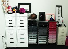 Take a tour of Phyrra's Makeup Room and see her eyeshadow collection!