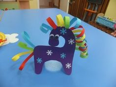 «Как сделать игрушки из бумажных полосок» — карточка пользователя fffainafruza в Яндекс.Коллекциях Winter Crafts For Kids, Paper Crafts For Kids, Diy Arts And Crafts, Spring Crafts, Diy For Kids, Cute Drawings For Kids, Kids Workshop, Fox Crafts, Egg Carton Crafts