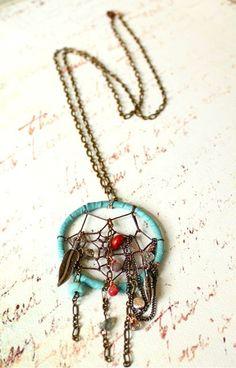 dream catcher necklace. Want!