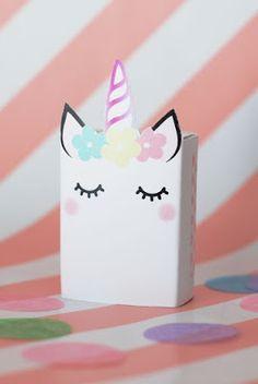 Box of raisins yum School Birthday Snacks, Kids Birthday Treats, Unicorn Birthday Parties, Unicorn Party, Girl Birthday, Unicorn Valentine, Valentine Box, Valentines Day Party, Happy Birthday Drawings
