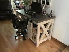 DIY Farmhouse Desk plans that will make your home office pop! Need an office farmhouse desk to spice up the home office? These DIY Desk Plans will make your office come to life. Diy Office Desk, Home Office, Diy Desk, Farmhouse Desk, Farmhouse Furniture, Pipe Furniture, Furniture Vintage, Furniture Design, Woodworking Furniture Plans