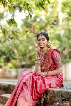 A pink Kanjeevaram saree for the win! wedding saree Real Brides who donned the most Scintillating Silk Sarees Kerala Hindu Bride, Kerala Wedding Saree, Bridal Sarees South Indian, Indian Wedding Bride, Wedding Silk Saree, Indian Bridal Fashion, Indian Wedding Outfits, South Indian Bride, Marathi Wedding