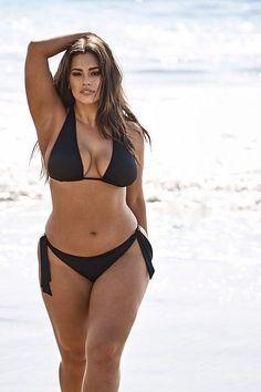 Sexy Bikini, Bikini Girls, Curvy Girl Outfits, Curvy Women Fashion, Modelo Ashley Graham, Ashley Graham Style, Femmes Les Plus Sexy, Jolie Lingerie, Mädchen In Bikinis