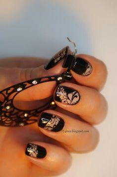 Cut out black lace pattern nails