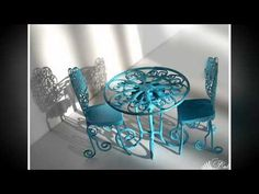 Miniatures made from wire. Dollhouse Miniature Tutorials, Dollhouse Dolls, Miniature Dolls, Miniature Furniture, Doll Furniture, Dollhouse Furniture, Barbie Miniatures, Dollhouse Miniatures, Fairy Garden Furniture