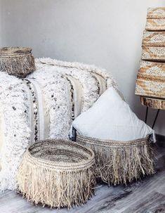 The decor takes the gallon - Trendy Home Decorations Bohemian Interior, Bohemian Decor, Rattan, Moroccan Interiors, Style Deco, Trendy Home, Home And Deco, Contemporary Interior, Home Decor Accessories