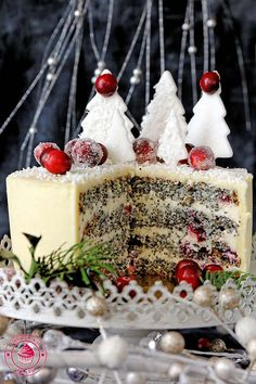 Ingredients Poppy layer: 200 g - dry poppy 270 g - natural yoghurt 100 g - Sugar 3 - large eggs 2 h. Poppy Seed Cake, Good Food, Yummy Food, Gingerbread, Cake Recipes, Sweet Treats, Christmas Decorations, Sweets, Baking