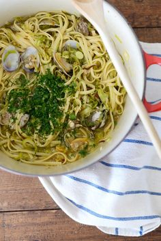 Linguine with Clams and Leeks- easy weeknight dinner M Loves M @marmar
