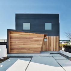 瀬名モデルハウス「アメリカンヴィンテージの家」 - 静岡市の新築・注文住宅はオレンジハウス静岡 Tin House, Minimalist House Design, Loft House, Japanese House, Facade House, Home Reno, Home Fashion, Exterior Design, Interior Architecture