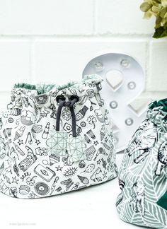 8 Ways to Make your Own Bag - Handmade Special Bags Leather Fringe, Leather Pouch, Cowhide Leather, Origami Bag, Bow Bag, Marc Jacobs Handbag, Fringe Bags, Designer Wallets, Bag Making