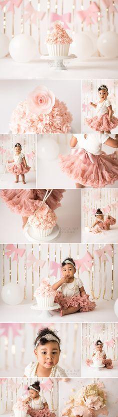 Girly pink and gold cake smash Baby Cake Smash, 1st Birthday Cake Smash, Baby Girl Birthday, Cake Smash Cakes, Birthday Star, Gold Birthday, Cake Smash Photography, Party Photography, Photography Ideas
