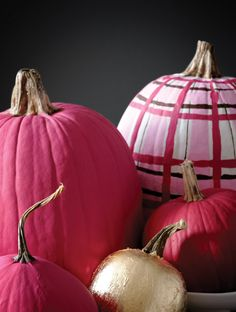 Halloween is just around the corner, and that means it's time to bust out the decor! So read on for DIY painted pumpkins that will help you usher in this fall holiday. Pink Halloween, Halloween Mantel, Holidays Halloween, Halloween Pumpkins, Halloween Crafts, Halloween Decorations, Halloween Painting, Pink Pumpkins, Painted Pumpkins