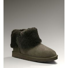 Ugg outlet boots is not only for this season but even for the next as it exudes enduring style that guarantees to look trendy through years.Welcome to order this snow shoes in our online ugg outlet store.