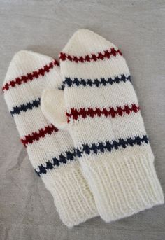 Knitting For Kids, Baby Knitting, Stick O, For Your Legs, Knit Mittens, Handicraft, Knit Crochet, Crochet Patterns, Gloves