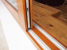 Detalle ventana de madera