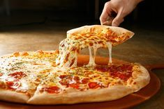 """Many People Are Loves Pizza , And Most is """" 100 acres of it that we eat every day here in the United States """". That's 3 billion pizzas. Pizza Restaurant, Kfc, Pizza Legal, Restaurants For Birthdays, National Pizza, Cornflakes, Pizza Joint, Pizza Day, Sandwiches"""