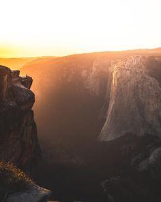 The pros and cons of visiting Yosemite in fall — Walk My World San Francisco Vacation, Continents, Wonderful Time, Walking, World, Fall, Travel, Addiction, California