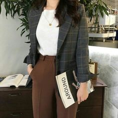 30 best sophisticated work attire and office outfits for women to look stylish a. - 30 best sophisticated work attire and office outfits for women to look stylish and chic 7 Source by marilynetran - Office Outfits Women, Mode Outfits, Fashion Outfits, Fashion Pants, Fashion Shirts, Fashion Ideas, Fashion Quotes, Work Attire Women, Fashion Trends