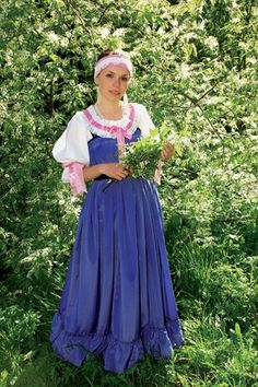 Traditional costume of a Russian bride from Northern provinces. Modern work according to the fashion of the early century. Russian Folk, Russian Style, Film Dance, Court Dresses, Russian Fashion, Here Comes The Bride, Fancy Dress, Bridal Gowns, Russian Brides