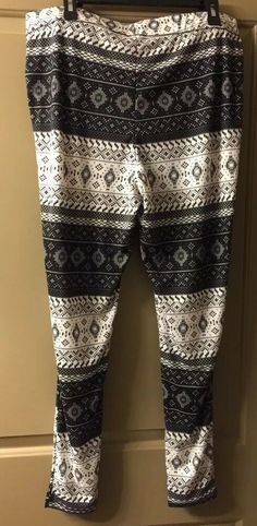 c64a9304b00da2 Maurices Women's Plus Size 1X Black & White Print Hacci legging NWT  #fashion #