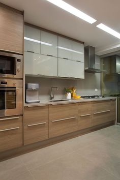 Awesome modern kitchen room are offered on our site. Kitchen Room Design, Kitchen Cabinet Design, Modern Kitchen Design, Home Decor Kitchen, Kitchen Layout, Interior Design Kitchen, Home Kitchens, Kitchen Ideas, Modern Interior