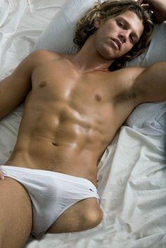 Nice bulge in that sexy white underwear. Slip, Cute Male Models, White Underwear, Briefs Underwear, Hommes Sexy, Bikini, Raining Men, Male Beauty, Male Body