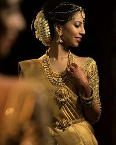 Sapi Vijay - tamil bride kanjivaram gold antique gold saree jewellery temple jewellery south indian bride jasmine flowers mehendi traditional bride wedding look telegu bride malayalee bride tikka bangles pearls gold and green tamil wedding kancheepuram saree pure silk saree