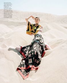A Sea Of Sand And Sin in Vogue Italy with Saskia de Brauw wearing Dries van Noten - - Fashion Editorial Editorial Photography, Photography Poses, Fashion Photography, Creative Photography, Tim Walker, Scarf Styles, Editorial Fashion, Supermodels, Fashion Models