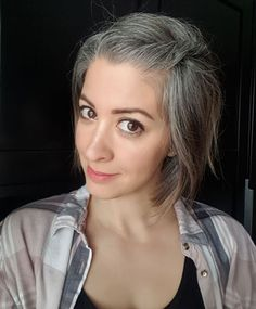 Going grey? Check out Frankie's silver hair transition story! Frankie got tired of struggling with her grey hair and let it go all-natural in her Grey Dyed Hair, Pastel Blue Hair, Short Grey Hair, Short Hair Styles, Purple Hair, Brown Hair Going Grey, Grey White Hair, Going Gray, Light Hair