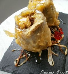 En Mairena hay un gastrobar al que solemos ir, se llama Platón y tiene en su carta unas alcachofas que nos encantan. Os pongo como... Snack Recipes, Cooking Recipes, Snacks, Good Food, Yummy Food, Tapas Bar, Food Decoration, Canapes, Aesthetic Food