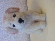 Naaldvilt puppy van Lente Rozemarijn Needle felt dog Waldorf