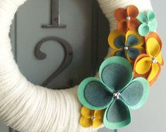 Yarn Wreath Felt Handmade Door Decoration Plumtastic by ItzFitz