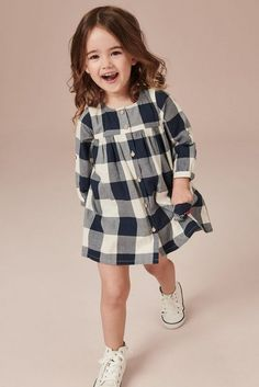 Striped long-sleeved shirt with star and sequins Kids Dress Wear, Dresses Kids Girl, Little Girl Outfits, Kids Outfits Girls, Kids Wear, Fashion Kids, Baby Girl Fashion, Toddler Fashion, Kids Frocks Design
