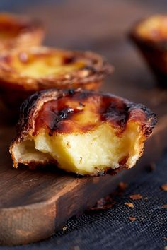 This is the authentic Portuguese Custard Tarts recipe, used by a bakery in Lisbon. Use the 6 tips provided in the recipe to make a perfectly crisp and nicely browned custard tart without hassle. | ifoodblogger.com #tarts #pastry #custardtart #custardtarts #dessert #desserts #custard