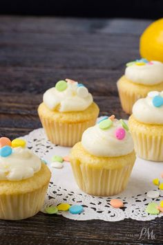 How to make Lemon Mini Cupcakes  #foodie #dan330 http://livedan330.com/2015/05/15/make-lemon-mini-muffins/