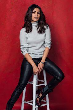Priyanka Chopra Jonas Best Looks of All Time Actress Priyanka Chopra, Bollywood Actress, Priyanka Chopra Haircut, Quantico Priyanka Chopra, Fashion 2017, Look Fashion, Fashion Outfits, Fashion News, Brunettes
